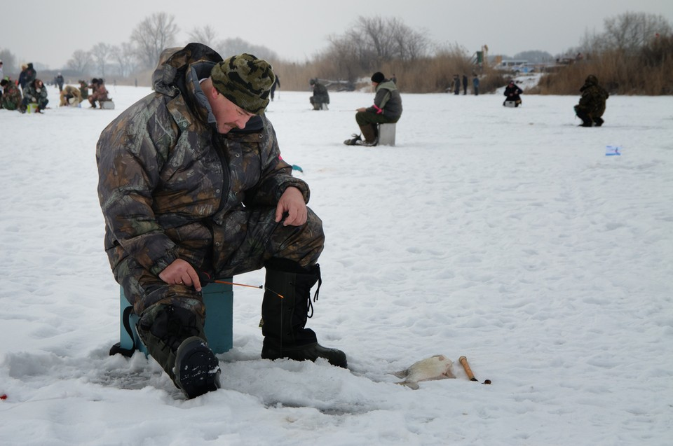 Выход на лед часто опасен, так что действовать нужно с умом и расчетом.