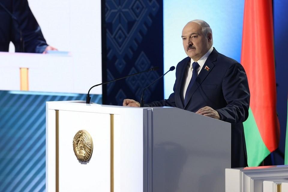 Лукашенко открыл ВНС в первый день форума и проговорил четыре часа. Фото: БелТА.