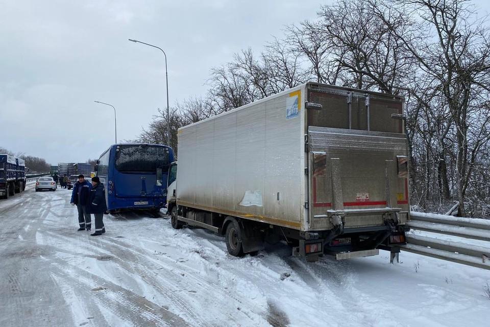 По факту ДТП проводится проверка. Фото: ГУ МВД по Краснодарскому краю.