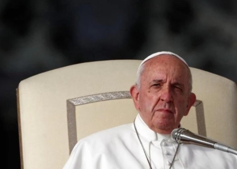 Папа Римский поздравил всех влюбленных с Днем святого Валентина