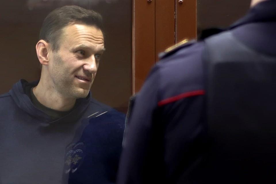 Государственное обвинение просит суд признать Алексея Навального виновным по делу о клевете на ветерана