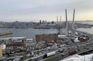Как выглядит Владивосток после снегопада 15 февраля 2021 года: заснеженные крыши, машины в сугробах и торосы у обочин