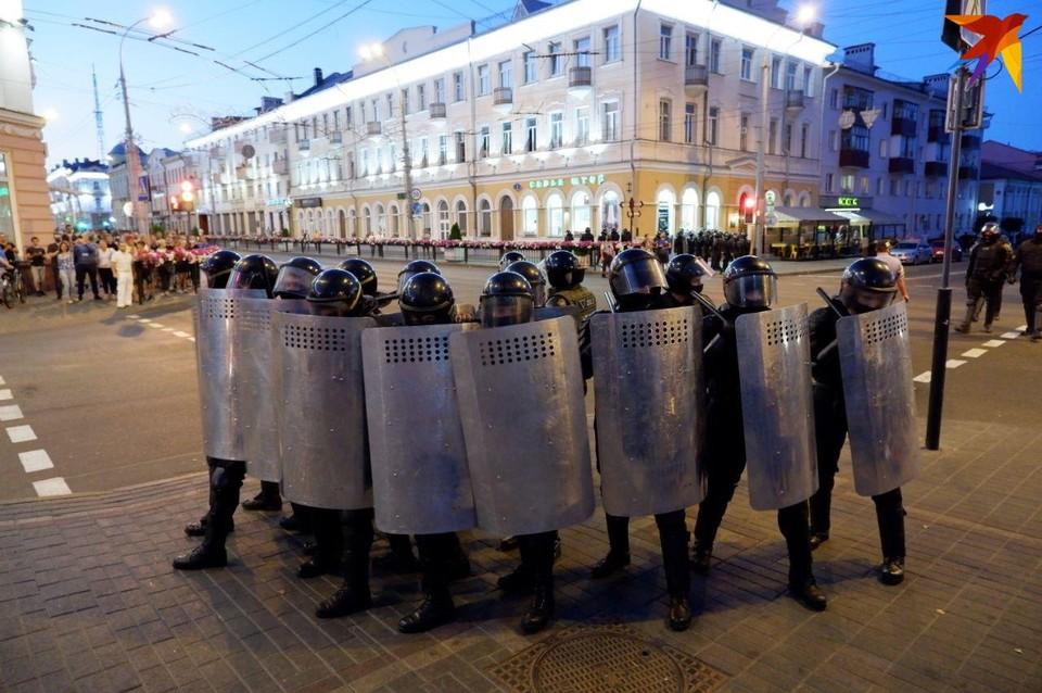 Стало известно, кто отдал приказ отправить вооруженных военных на охрану порядка 11 августа 2020 в Бресте