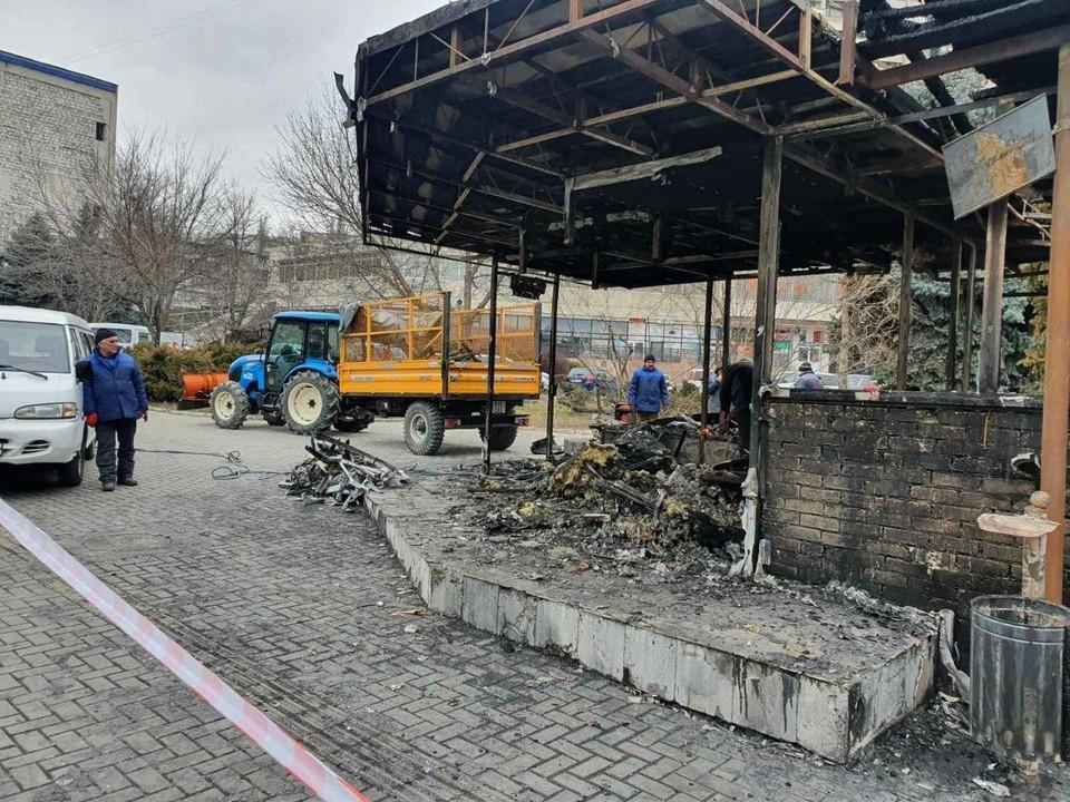 На бульваре Негруцци вместо сгоревшего магазина появится новая остановка. Фото:ionceban.md