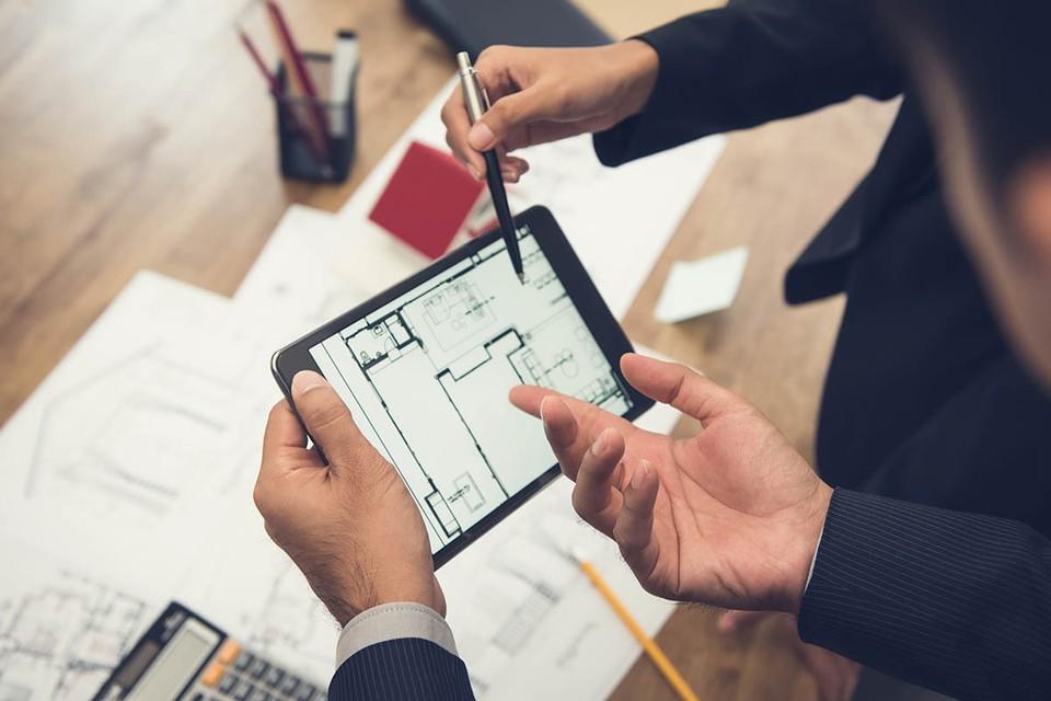 Теперь в столице все госуслуги, касающиеся сделок с нежилой недвижимостью и оформлением документов на нее, можно будет получать только в электронном виде.