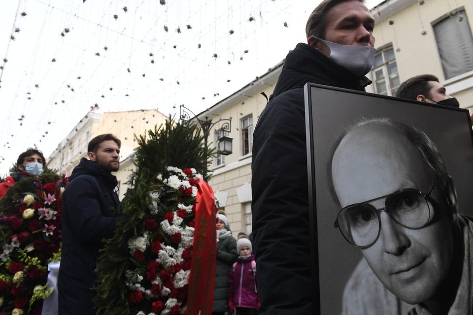 В МХТ им.Чехова прошло прощание с народным артистом РСФСР, который скончался 18 февраля на 83-м году жизни