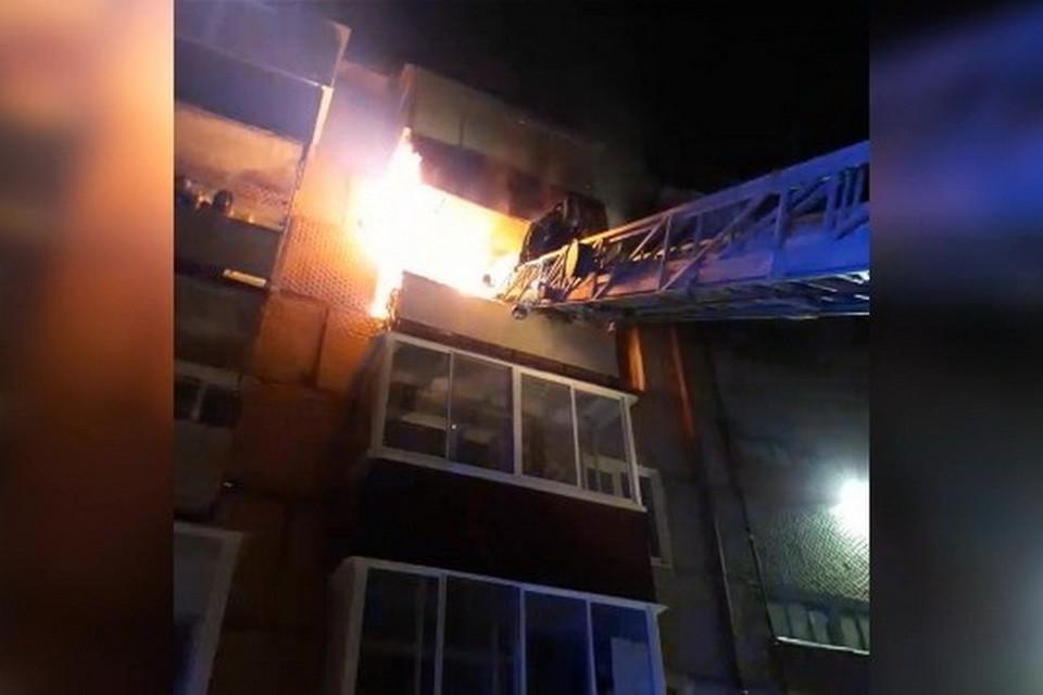 Мужчину из огня спасли пожарные в Хабаровском крае