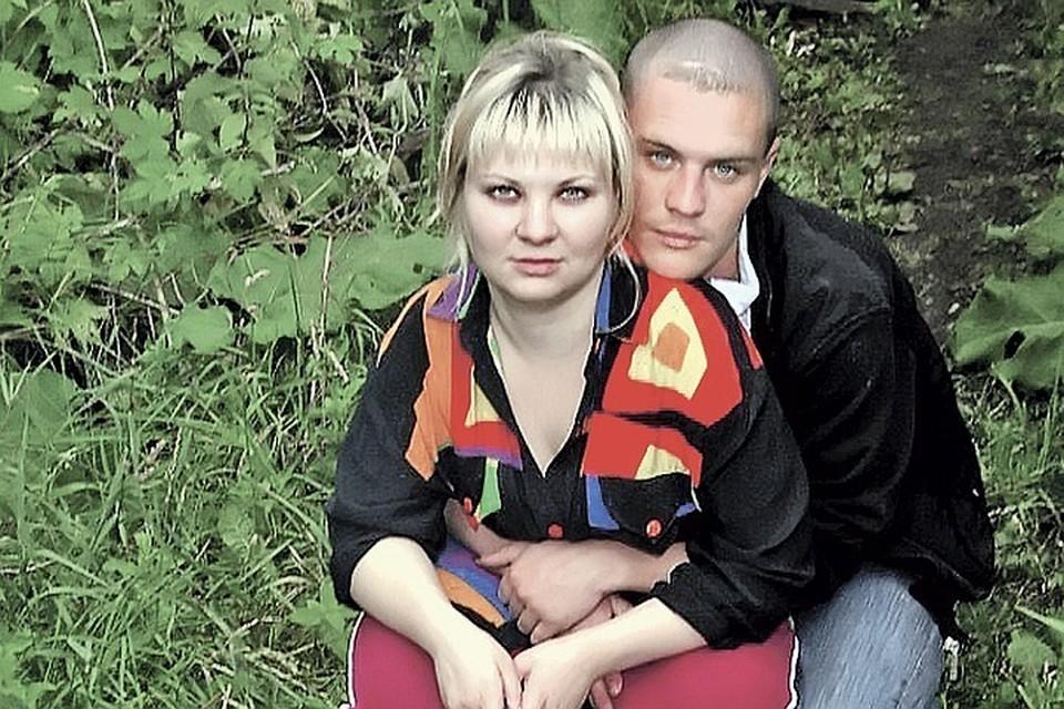 С медсестрой Полиной Наумовой Санкин вместе уже 15 лет, но не расписан.