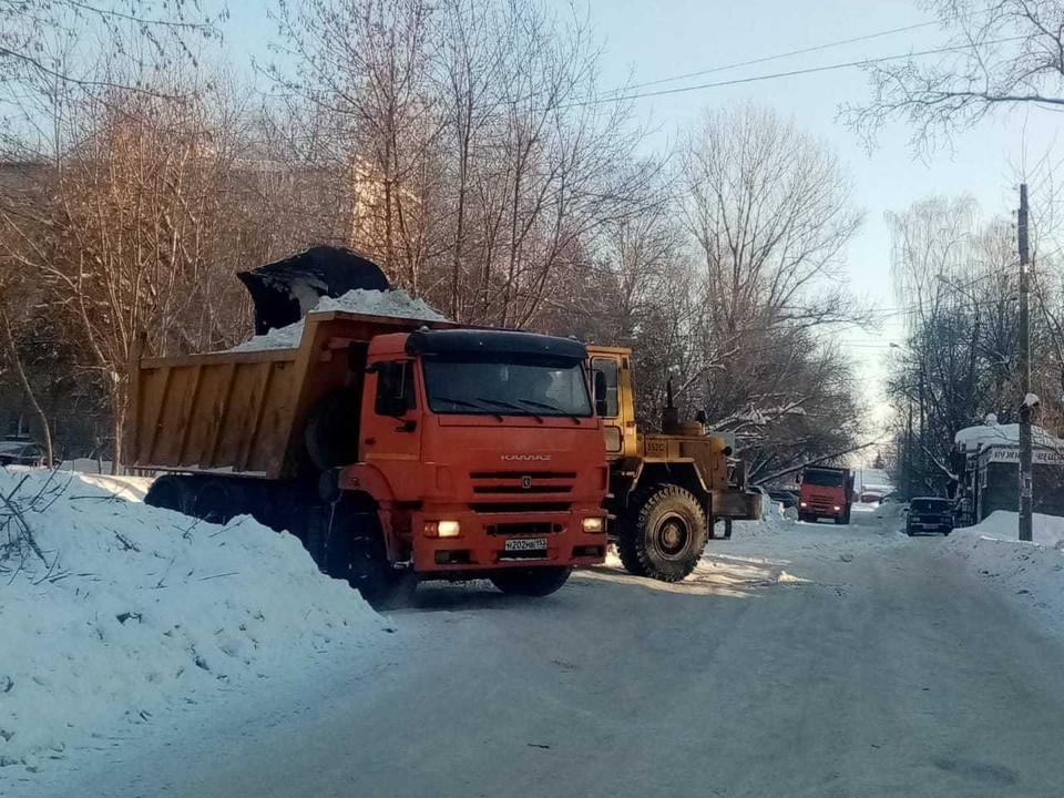 Почти 20 тысяч кубометров снега вывезли с улиц Нижнего Новгорода за минувшие сутки. Фото: Администрация Нижнего Новгорода