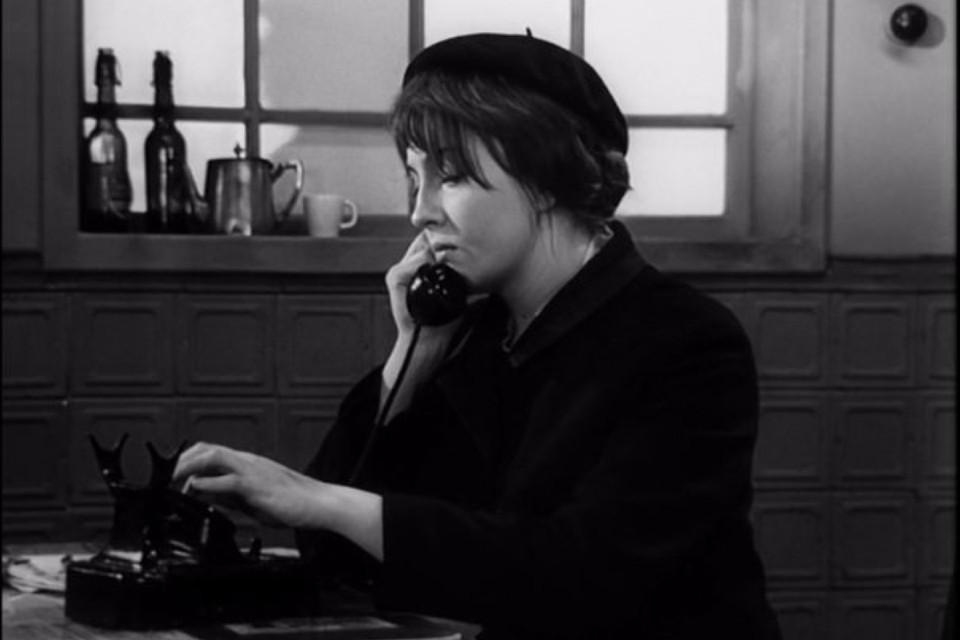 Известность к Екатерине Градовой пришла после роли радистки Кэт. Фото: кадр из фильма «Семнадцать мгновений весны»