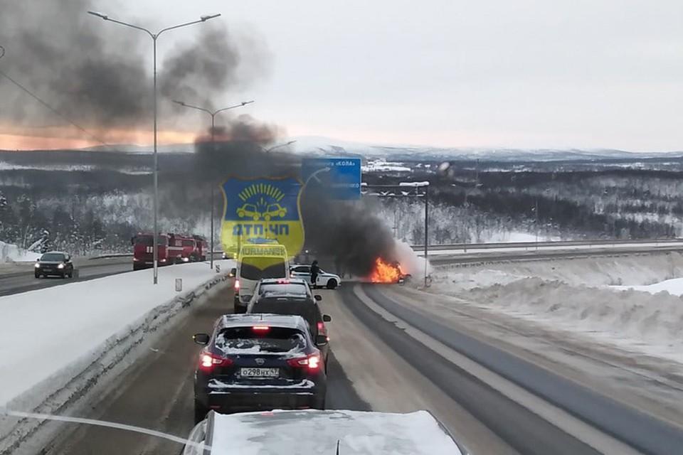 Некоторые автолюбители, пытаясь хоть как-то спасти машину, вспоминают народные средства. И зря… Фото: vk.com/murmansk_dtp