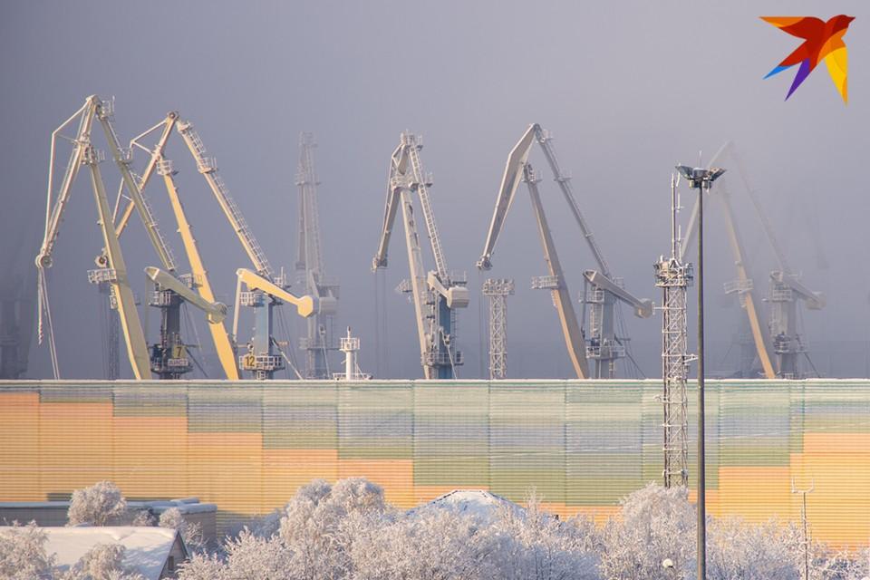 Самый сильный ветер будет на побережье, в Териберке обещают до 23 м/с, в Мурманске 9 м/с.