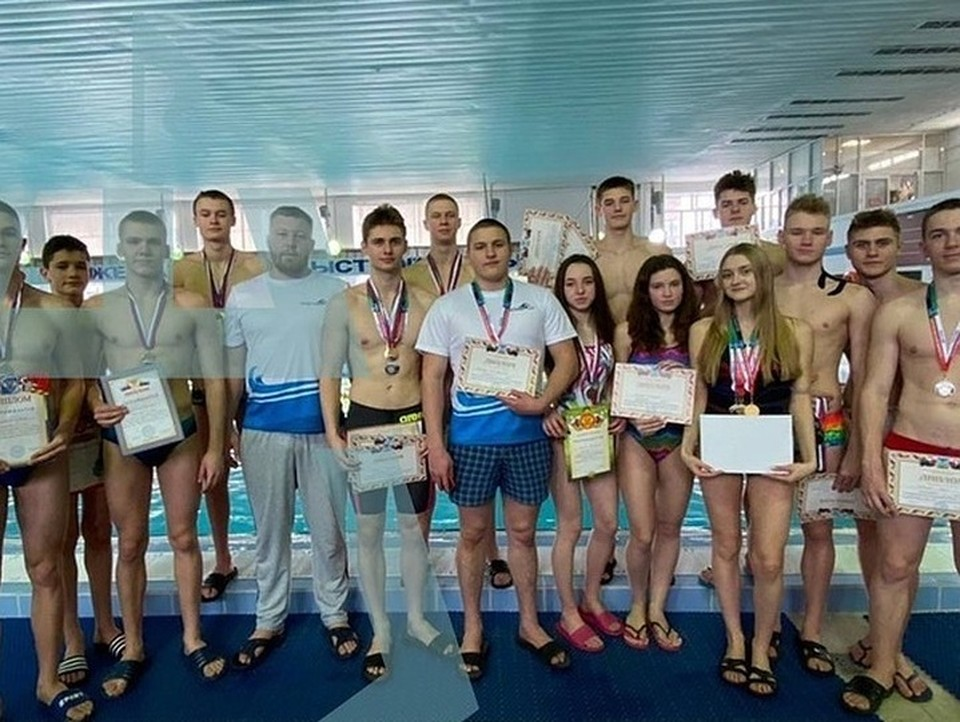 Шебекинские спортсмены стали победителями в чемпионате Белгородчины по плаванию. Фото пресс-службы администрации Губкинского горокруга.