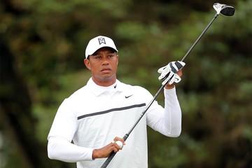 «Тайгеру Вудсу повезло остаться в живых»: Легендарный гольфист попал в страшную аварию