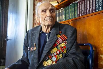 В Воронеже 97-летнего ветерана пригласили на репетицию праздничного салюта