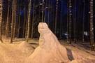 Снежные динозавры поселились в Петербурге