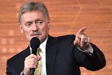 Дмитрий Песков: В борьбе с бедностью в России никто руки опускать не собирается