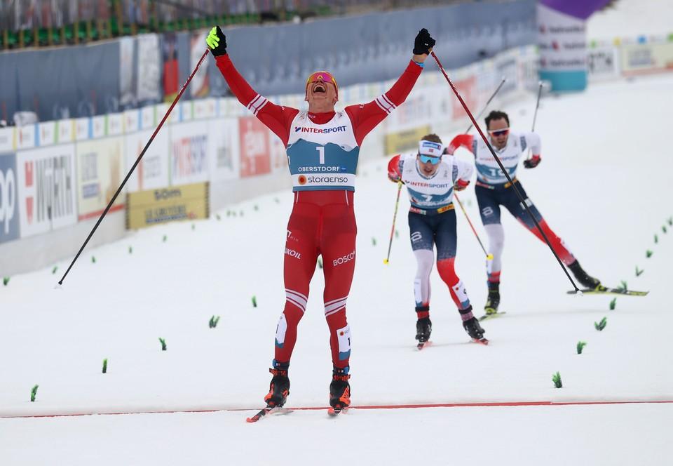 Победный финиш Большунова в Германии.