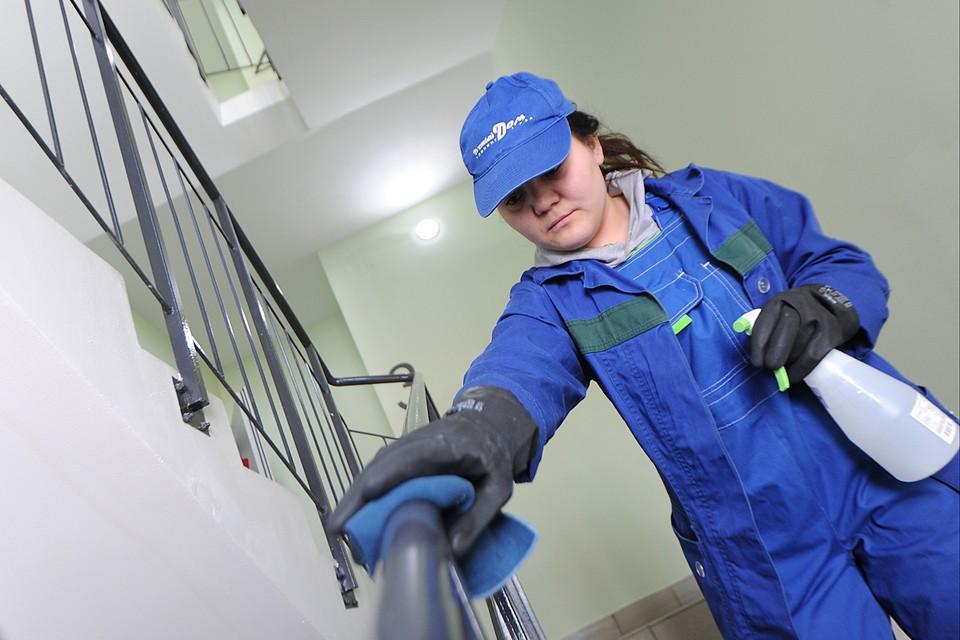 Мыть полы на лестничных клетках в домах теперь должны ежедневно