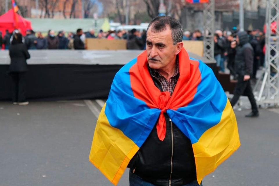 Перед началом митингов обе стороны заявляли о «последнем и решительном» бое, который предполагалось дать на улицах Еревана.