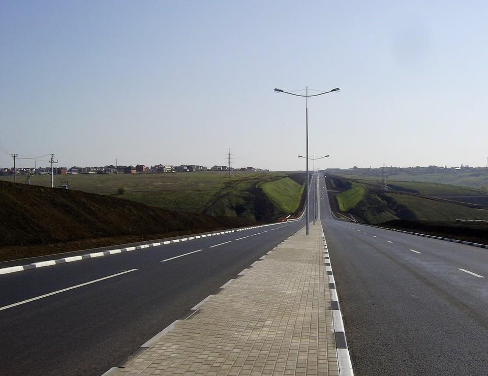 Автокран будет использоваться при ремонте участков автомобильных дорог.
