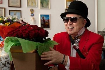 Что происходит с Вячеславом Зайцевым: на празднике тяжело больного модельера держали под руки