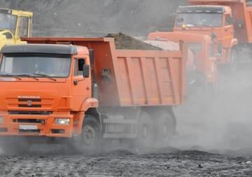 Водитель грузовика случайно похоронил 5-летнюю девочку под слоем удобрений