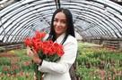 «Розы для аллергиков, тюльпаны для всех»: какие цветы не стоит дарить женщинам на 8 Марта