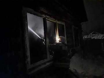 В Омской области в страшном пожаре погибла мать с двумя детьми
