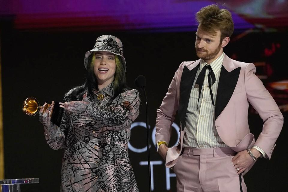 Билли Айлиш получила главную награду, и объявила, что это неправильно