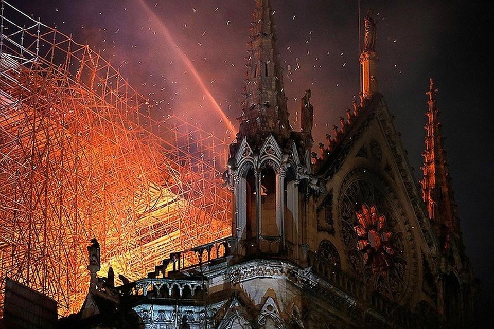 Работы по восстановлению собора Нотр-Дам-де-Пари должны начаться в 2023 году.