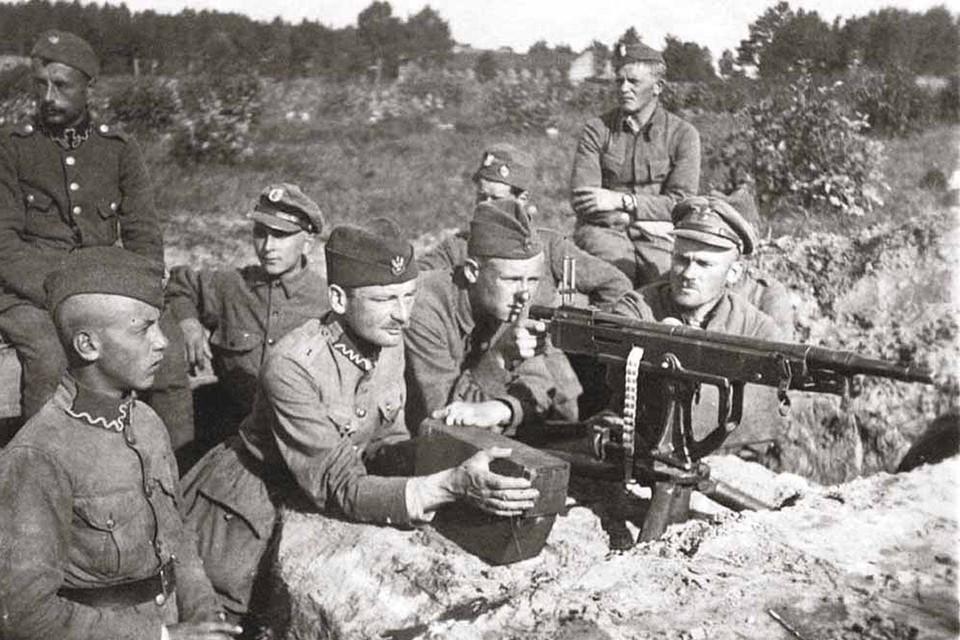 Советско-польская война. Польские окопы под Милосной, август 1920 года.
