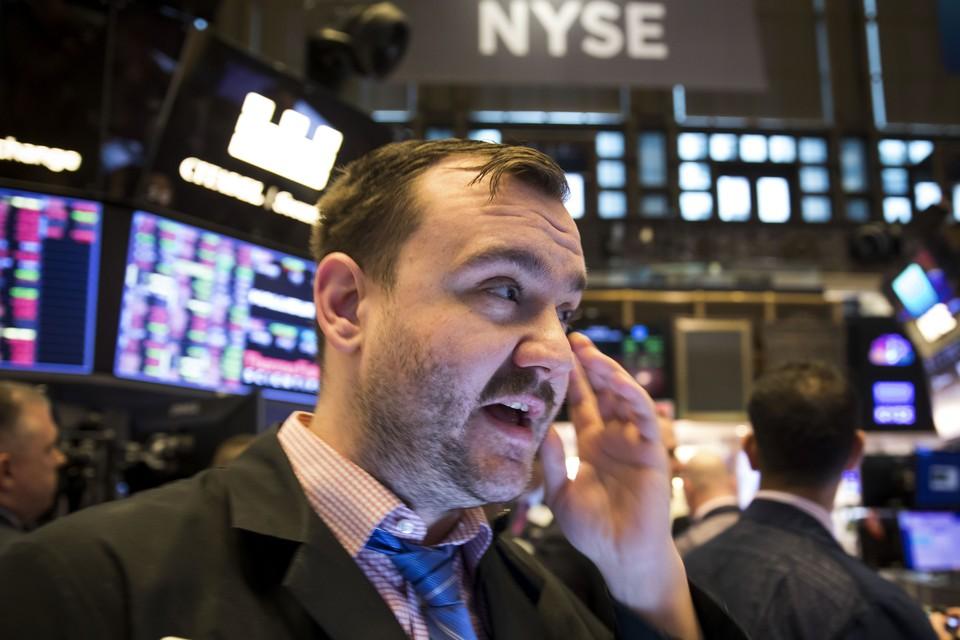 Из-за пандемии США, Япония, Евросоюз и Китай включили «деньгометы». На рынок вылилось 17 триллионов долларов, отсюда - рост биржевых индексов и курсов криптовалюты.