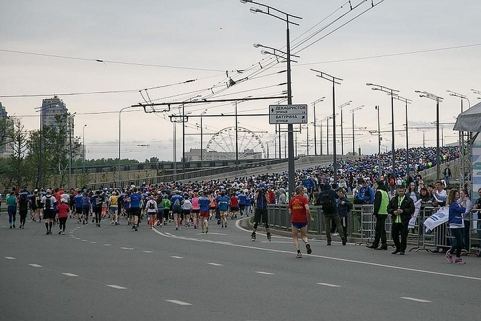 Маршрут марафона как обычно пройдет через центр города: Казанский Кремль, Центральный стадион, набережную озера Кабан и парк Тысячелетия. Фото: из материалов пресс-служб