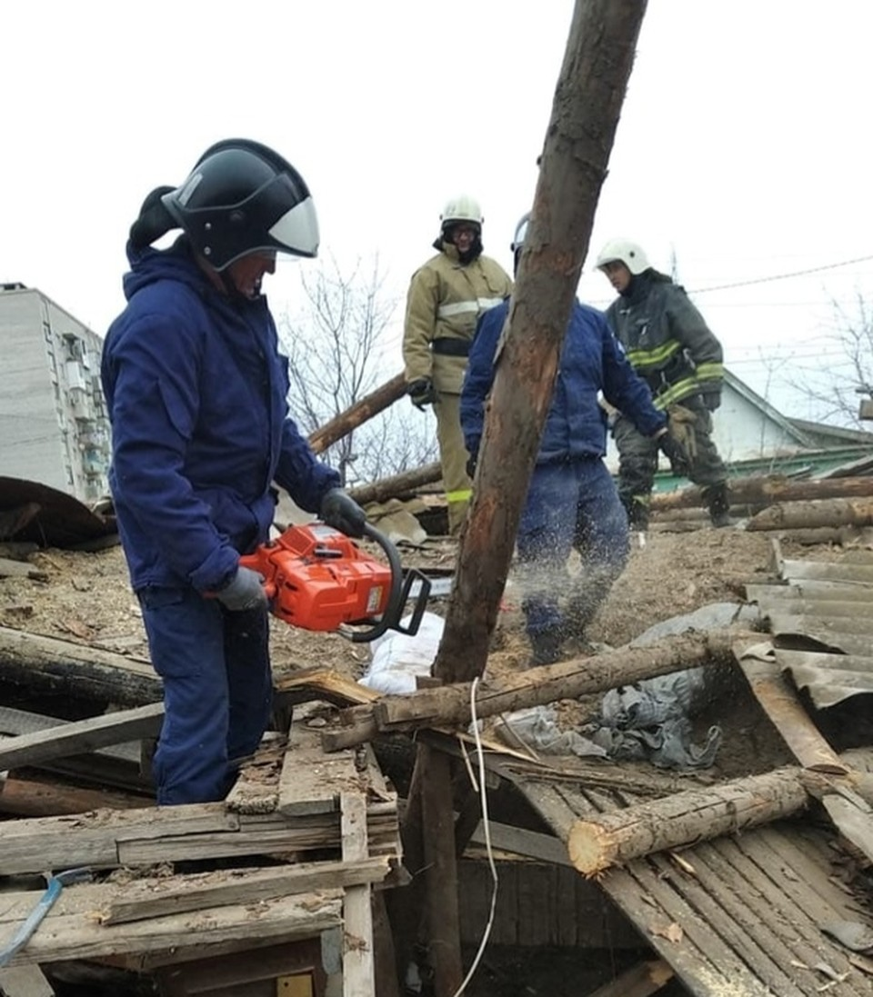 В Ленинском районе Астрахани мужчина погиб при демонтаже старого дома