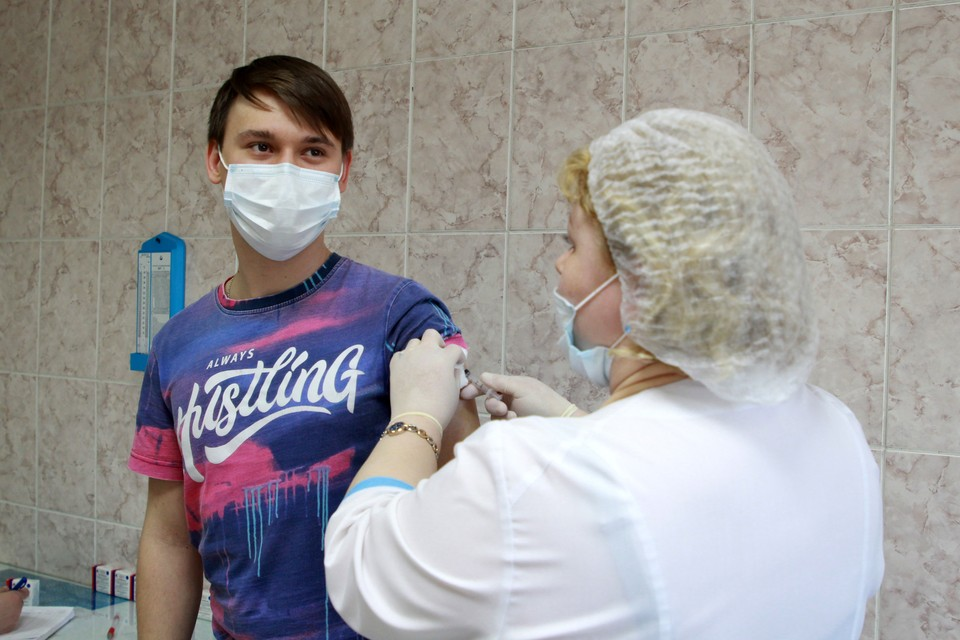 Омичи стали активнее ставить прививки от ковида.
