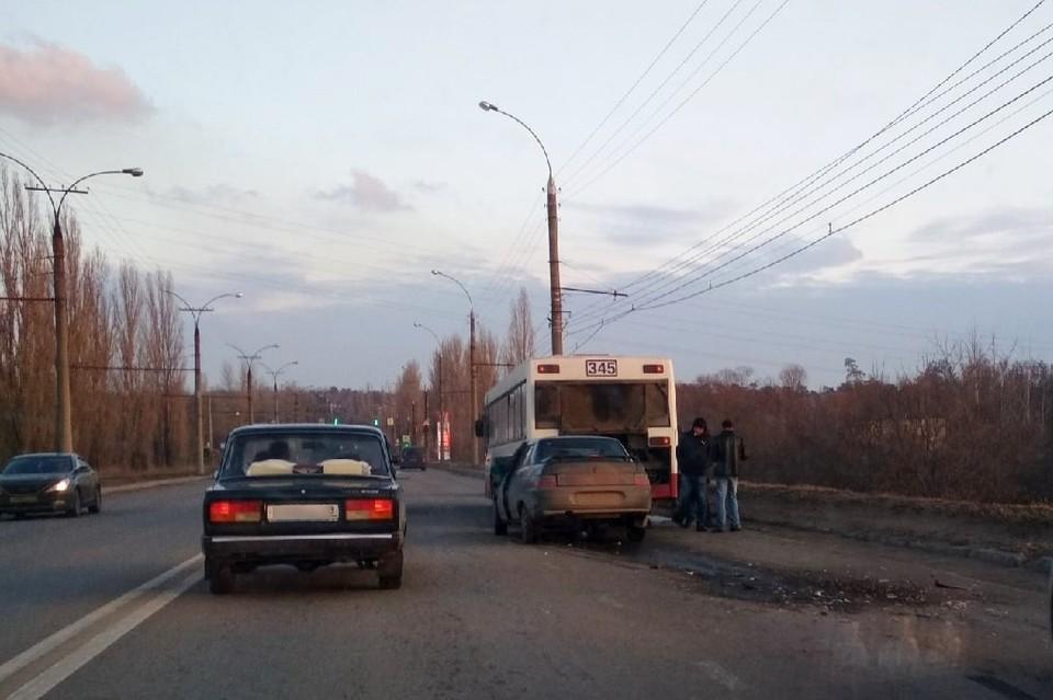 ДТП в Липецке на Октябрьском мосту