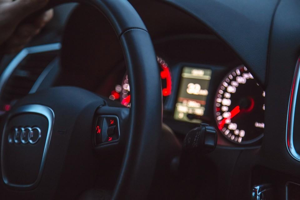 Путаница с одинаковыми VIN-кодами у зеленой и синей Audi A6 сделало невозможной эксплуатацию одной из машин