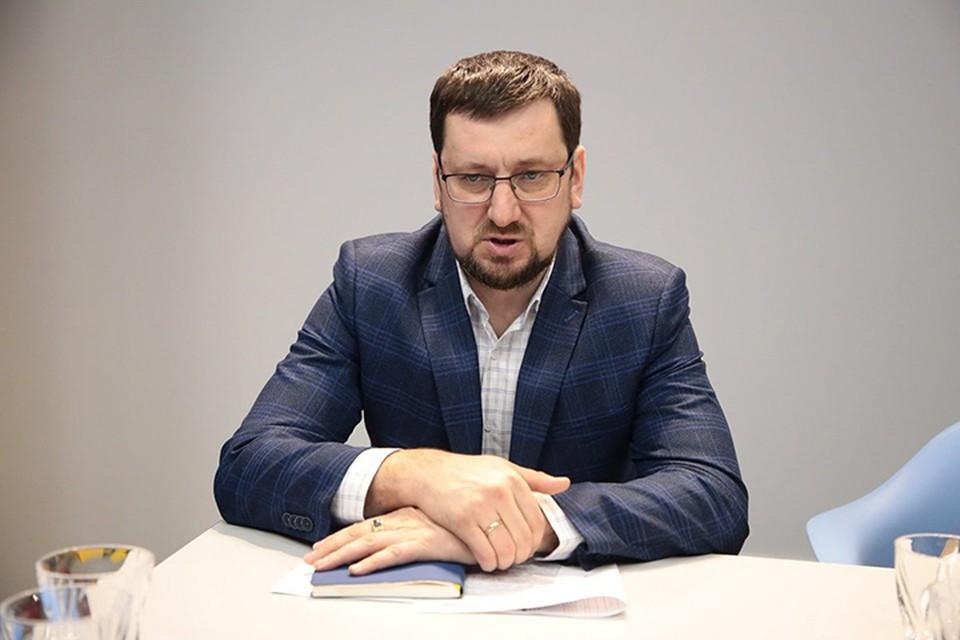 Директор управляющей компании «Управдом-Центр» Александр Борисов ответил на вопросы жителей Дзержинска. ФОТО: Ксения Самсонова