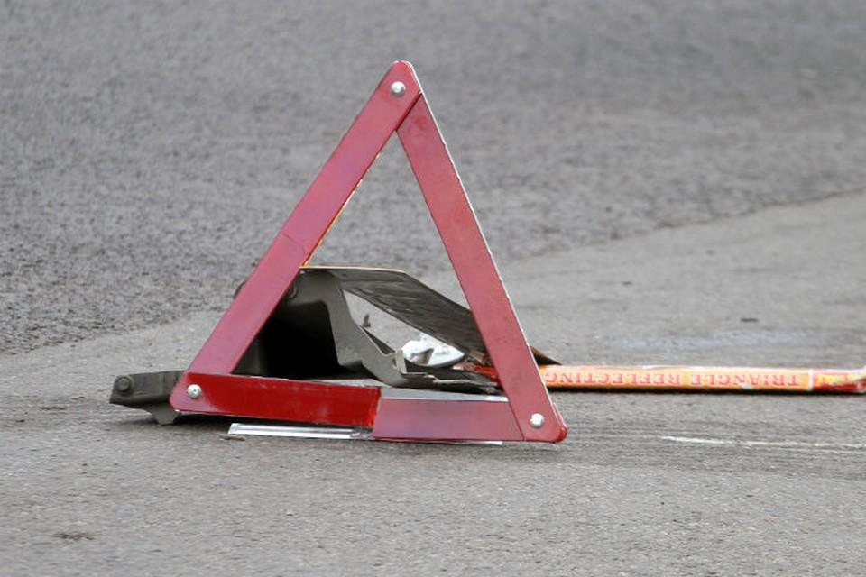 Авария произошла в вечернее время во дворе многоэтажки.
