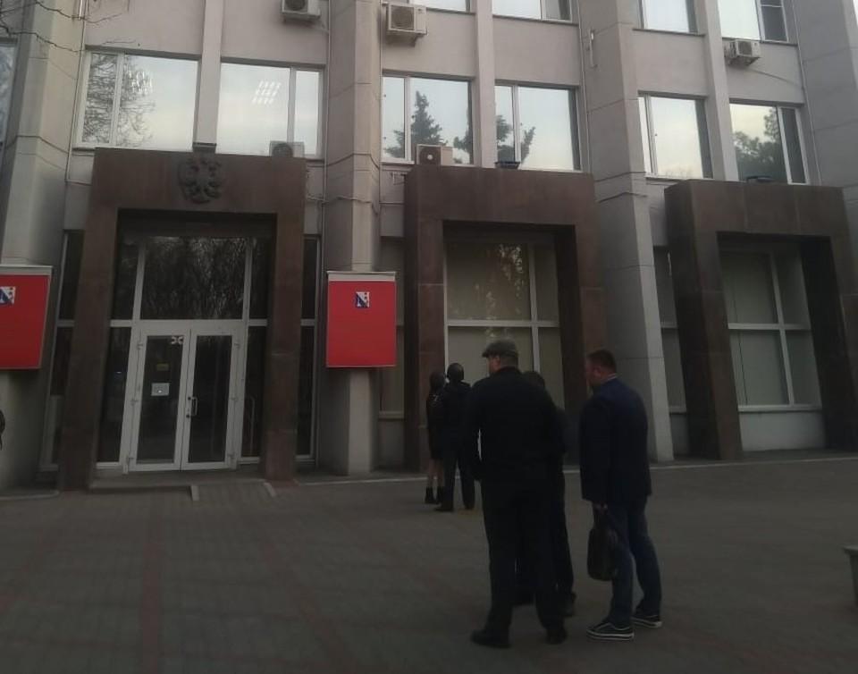 У здания правительства дежурят правоохранители