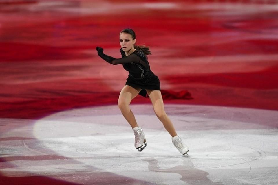 Еще несколько дней назад Анна Щербакова выиграла Чемпионат мира, а сейчас готова выйти на лед в Казани.