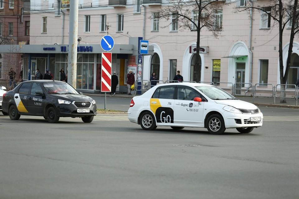 Арендодателям мошенник говорил, что будет работать в такси