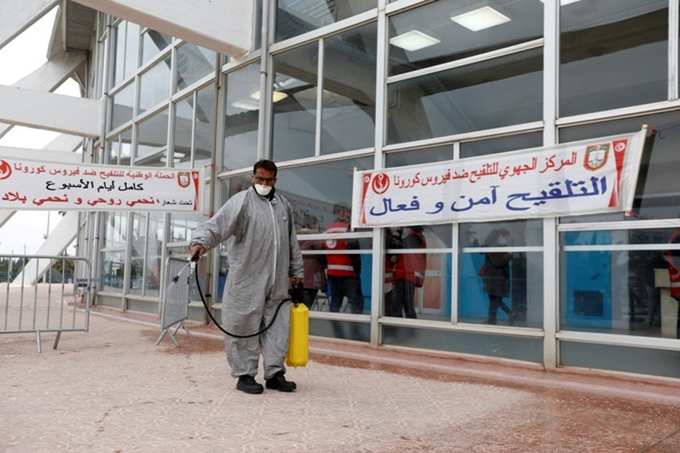 Власти Туниса обещают обеспечить безопасность туристов в условиях пандемии коронавируса