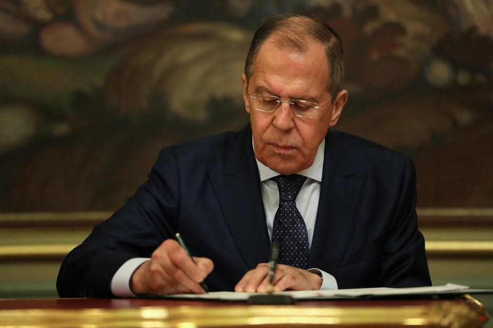 """Лавров заявил о готовности России поставлять «Спутник V"""" в другие страны."""