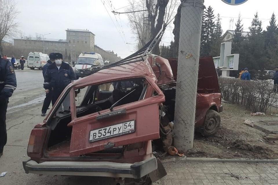 В ДТП погибли двое пенсионеров: мужчина 75 лет и женщина 72 лет. Фото: Госавтоинспекция по Новосибирску