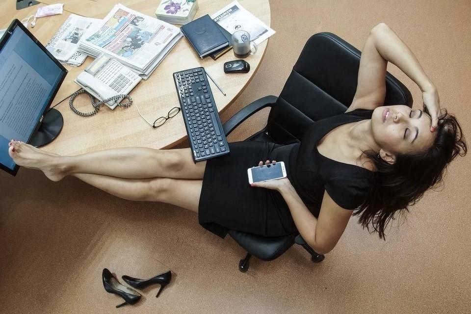 Психотерапевт объяснил, как распознать эмоциональное выгорание на работе