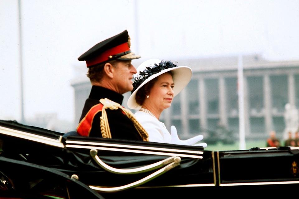 Два месяца не дожил до своего векового юбилея супруг королевы Великобритании принц Филипп.
