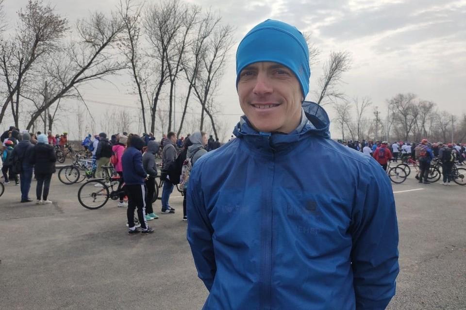 Дмитрий Брегеда участвует в легкоатлетическом забеге ради удовольствия