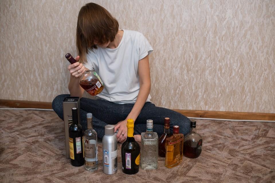 Парень отдыхал с друзьями всю ночь и не смог дойти до дома